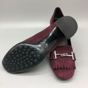 Tod's burgundy moccasin style suede block heels